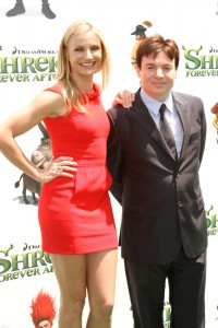 Cameron Diaz con Mike Myers en el estreno de Shrek Forever After