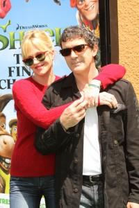 Antonio Banderas con su esposa Melanie Griffith en el estreno de Shrek Forever After