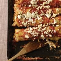 Enchiladas Rojas- Receta por Eva Longoria