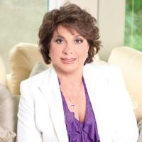 Doctora Martha Lucero, D.D.S.