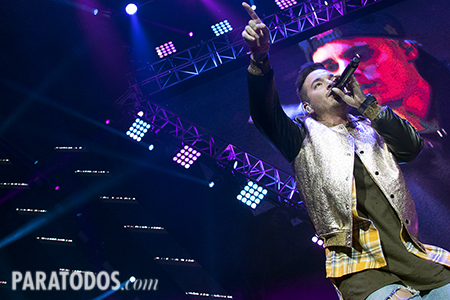 LOS ANGELES, CA - JAN 24: Colombian reggaeton singer J Balvin performs onstage during Calibash 2016 held at Staples Center on January 24, 2016 in Los Angeles, California. CALIBASH 2016, hosted by KXOL Mega 96.3FM, La Musica and produced by AEG Live and Latin Events. Byline, credit, TV usage, web usage or linkback must read SILVEXPHOTO.COM. Failure to byline correctly will incur double the agreed fee. Tel: +1 714 504 6870.