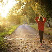 Las 7 razones por las que debes salir a caminar